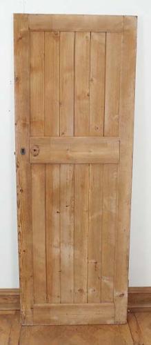 DB0309 LOVELY VINTAGE FRAMED PINE PLANKED COTTAGE DOOR