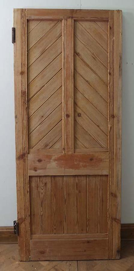 DB0336 LOVELY LATE VICTORIAN GOTHIC PANELLED PINE DOO