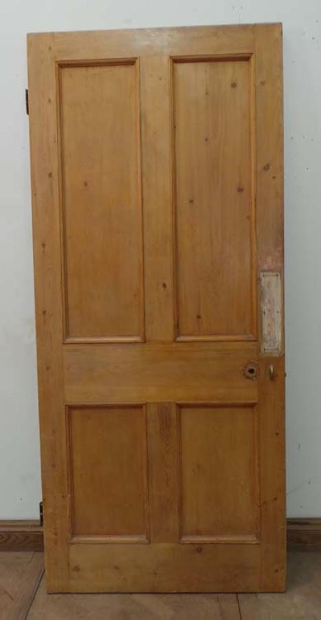 DB0380  A TRADITIONAL VICTORIAN PANELLED PINE DOOR