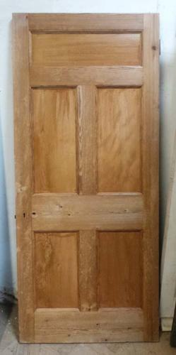 DB0478 A LOVELY VICTORIAN PINE PANELLED DOOR