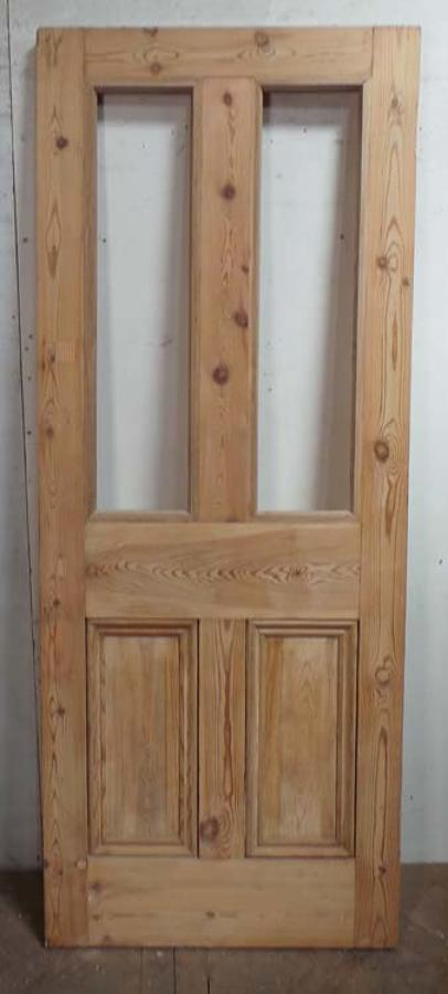 DB0584 A TRADITIONAL VICTORIAN PANELLED PINE DOOR