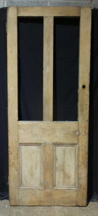 DB0609 A CLASSIC VICTORIAN PANELLED PINE DOOR