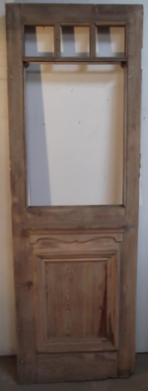 DE0130 An Elegant Pine, Edwardian Exterior Door  c. 1910