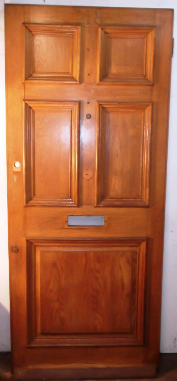 DE0449 A Solid and Heavy, Victorian Style Oak, 5 Panel Front Door
