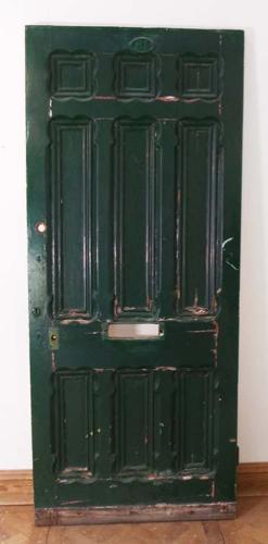 DE0560 A SUBSTANTIAL VICTORIAN PINE PANELLED DOOR