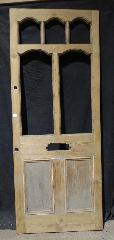 DE0617 A LOVELY VICTORIAN PINE PANELLED DOOR