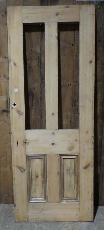 DE0684 A TRADITIONAL VICTORIAN PANELLED PINE DOOR