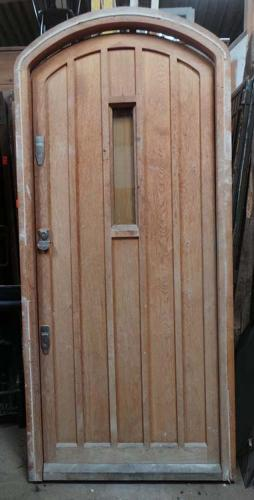 DE0689 LOVELY LARGE SOLID OAK TUDOR/ARTS & CRAFTS STYLE DOOR & FRAME