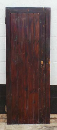 DI0511 ARTS & CRAFTS STYLE FRAMED LEDGE AND BRACE PLANKED DOOR