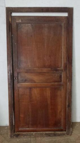 DI0555 PRETTY VICTORIAN FRENCH CHERRY CUPBOARD DOOR AND FRAME