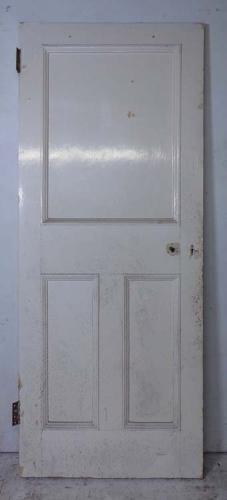 DI0621 UNUSUAL VICTORIAN PINE PANELLED DOOR