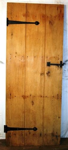 DI0633 An Oak Cottage Door, Suitable for Internal Use