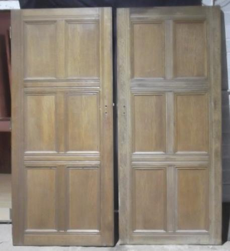 DP0060 A Pair of Solid Oak, Arts & Craft Doors for internal use