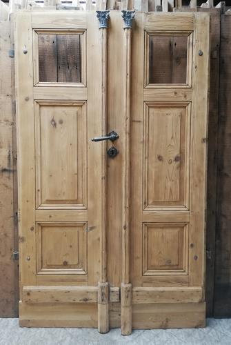 DP0072 A Pair of Unusual Eastern European Doors