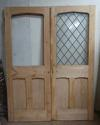 DP0205 PAIR OF VICTORIAN PINE GOTHIC/TUDOR STYLE DOORS - picture 1