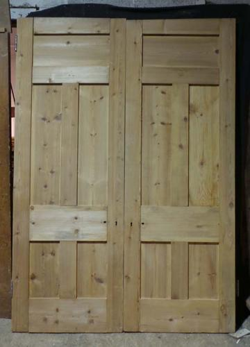 DP0221 LOVELY PAIR OF VICTORIAN PANELLED PINE DOORS