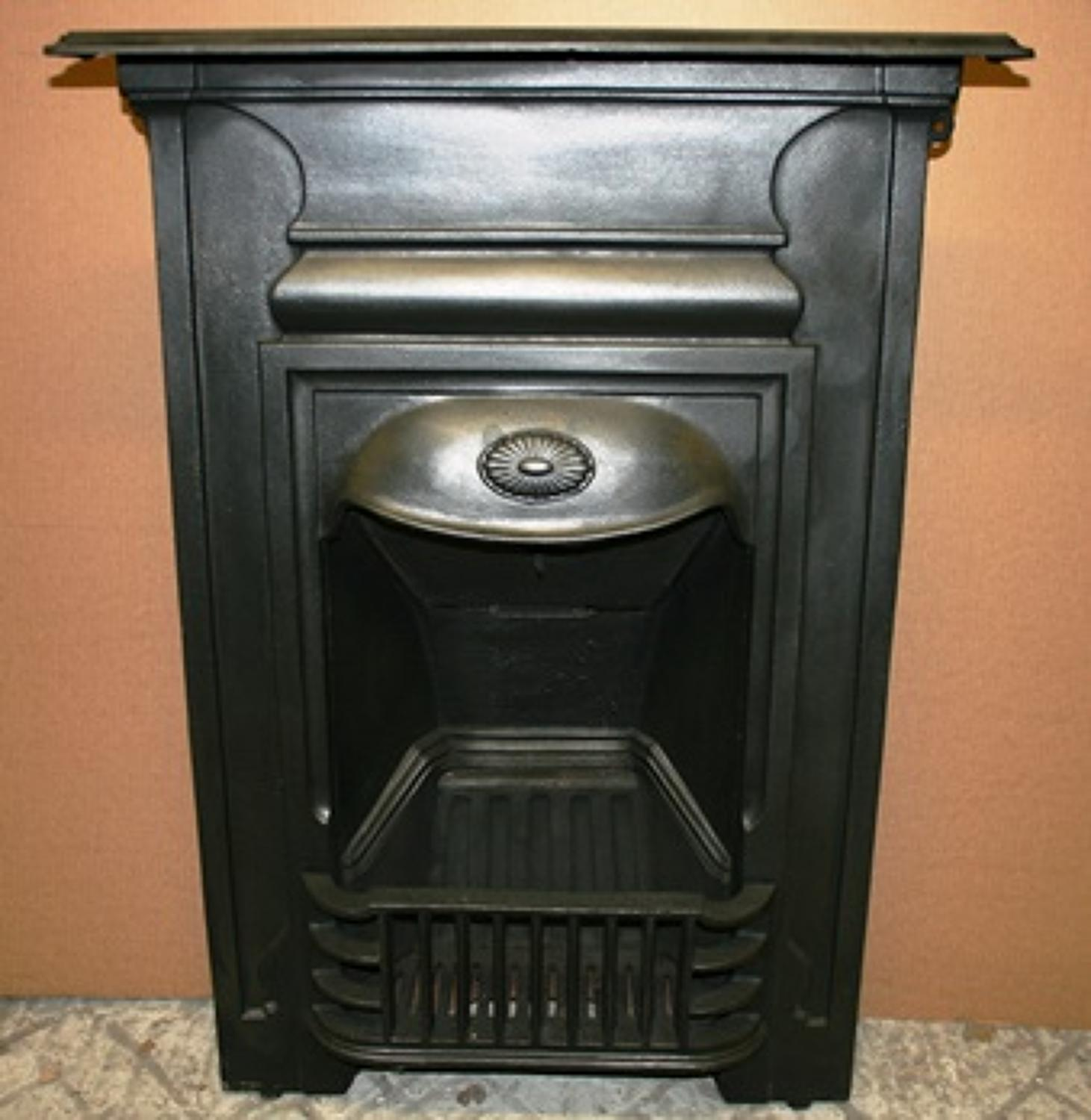 FC0009 A Cast Iron Combination Fireplace in Excellent Condition