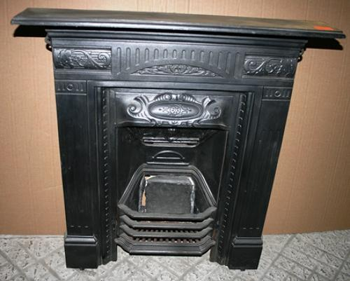 FC0019 A Pretty Cast Iron Combination Fireplace