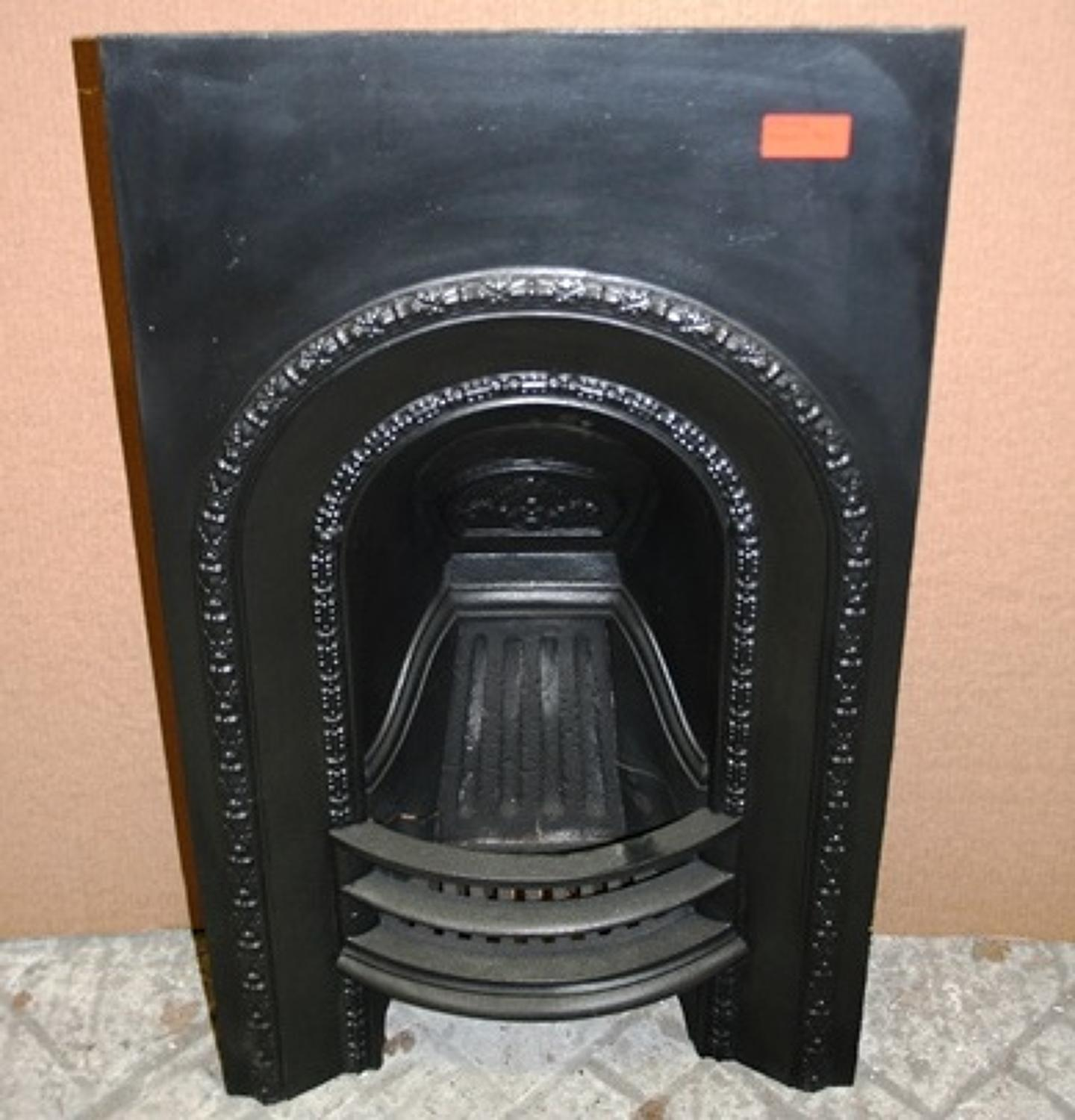 FI0006 A Small Cast Iron Fire Insert for Decorative Use