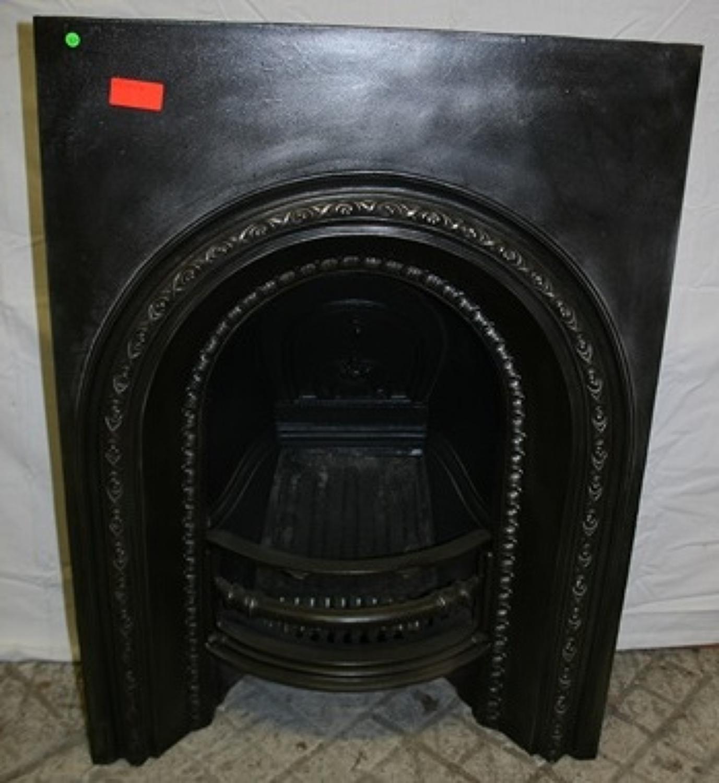 FI0007 An Early Victorian Reclaimed Cast Iron Fire Insert c. 1850