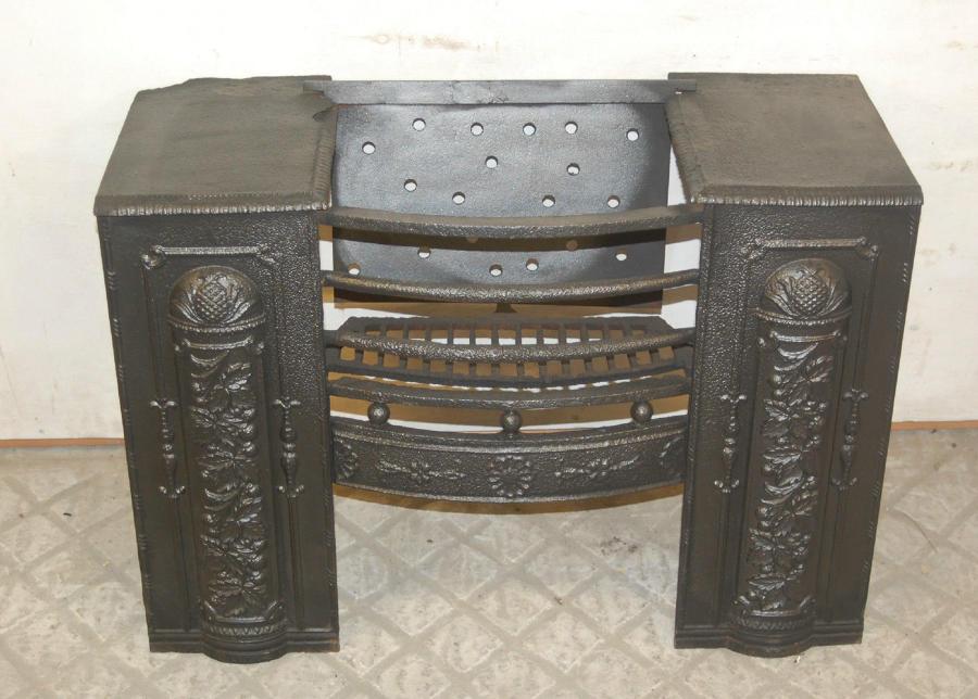 FB0005 A Pretty Decorative Georgian Cast Iron Hob Grate