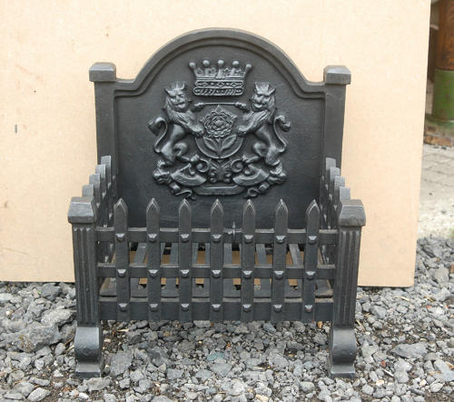 FB0006 A Reproduction Cast Iron Fire Basket with Decorative Fireback