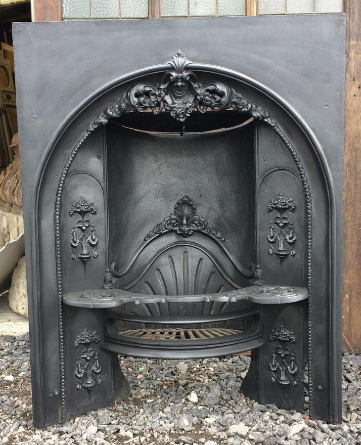 FB0007 A Large Decorative Georgian Hobgrate Fire for Light Use