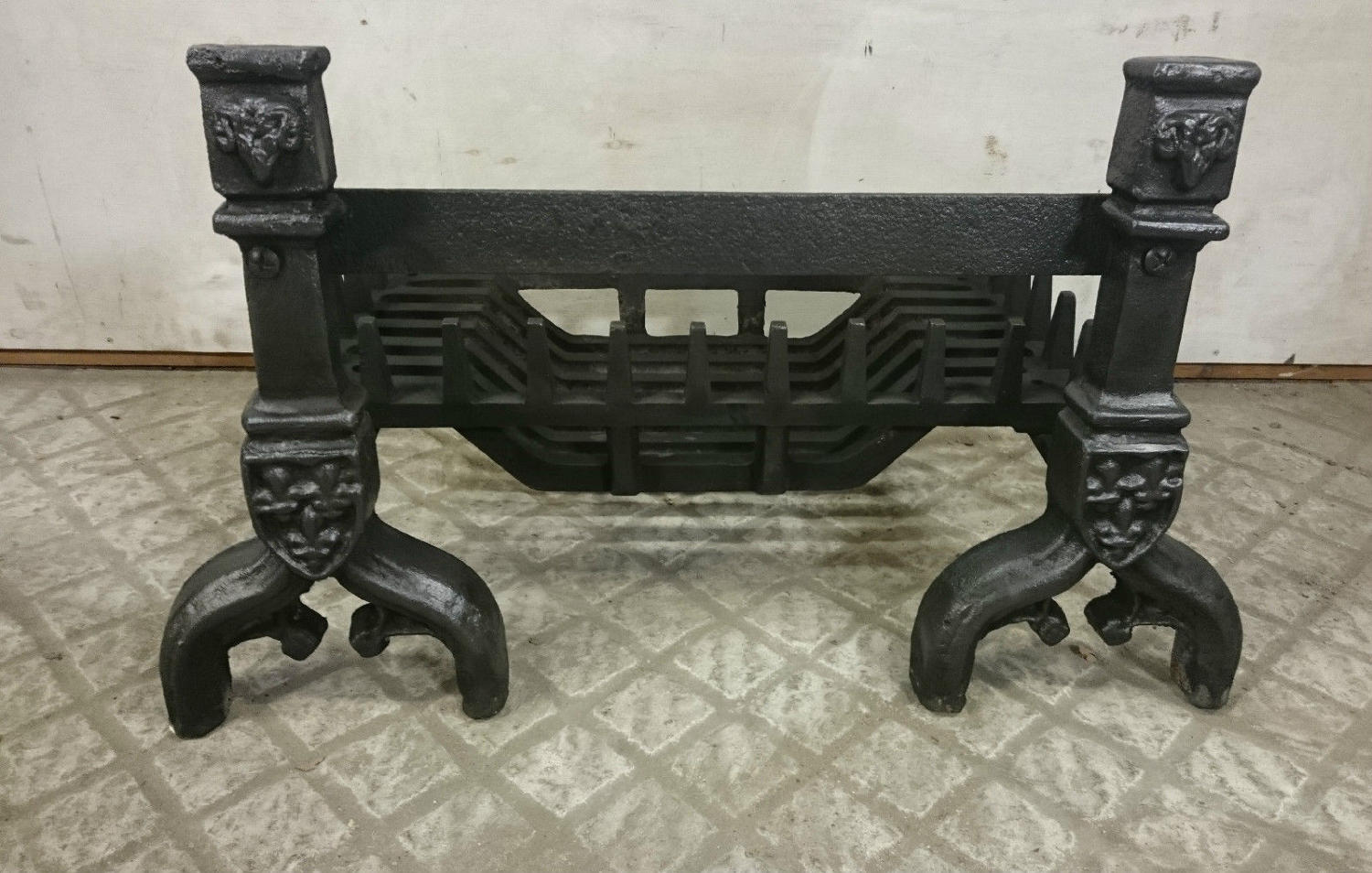 FB0013 A Reclaimed Cast Iron Swans Nest Fire Basket with Fire Dogs