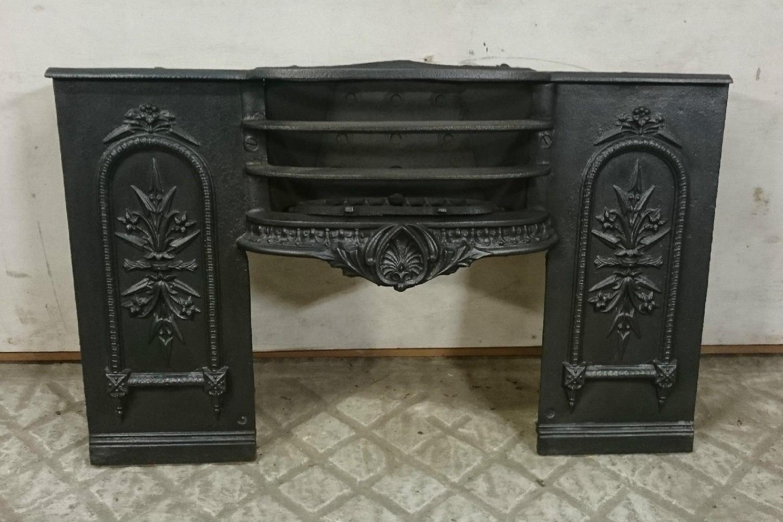FB0014 A Pretty, Decorative Georgian Cast Iron Hob Grate