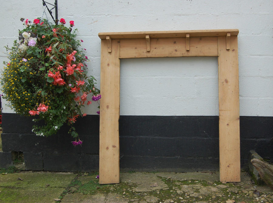FS0015 A Large Georgian Pine Fire Surround For a Range