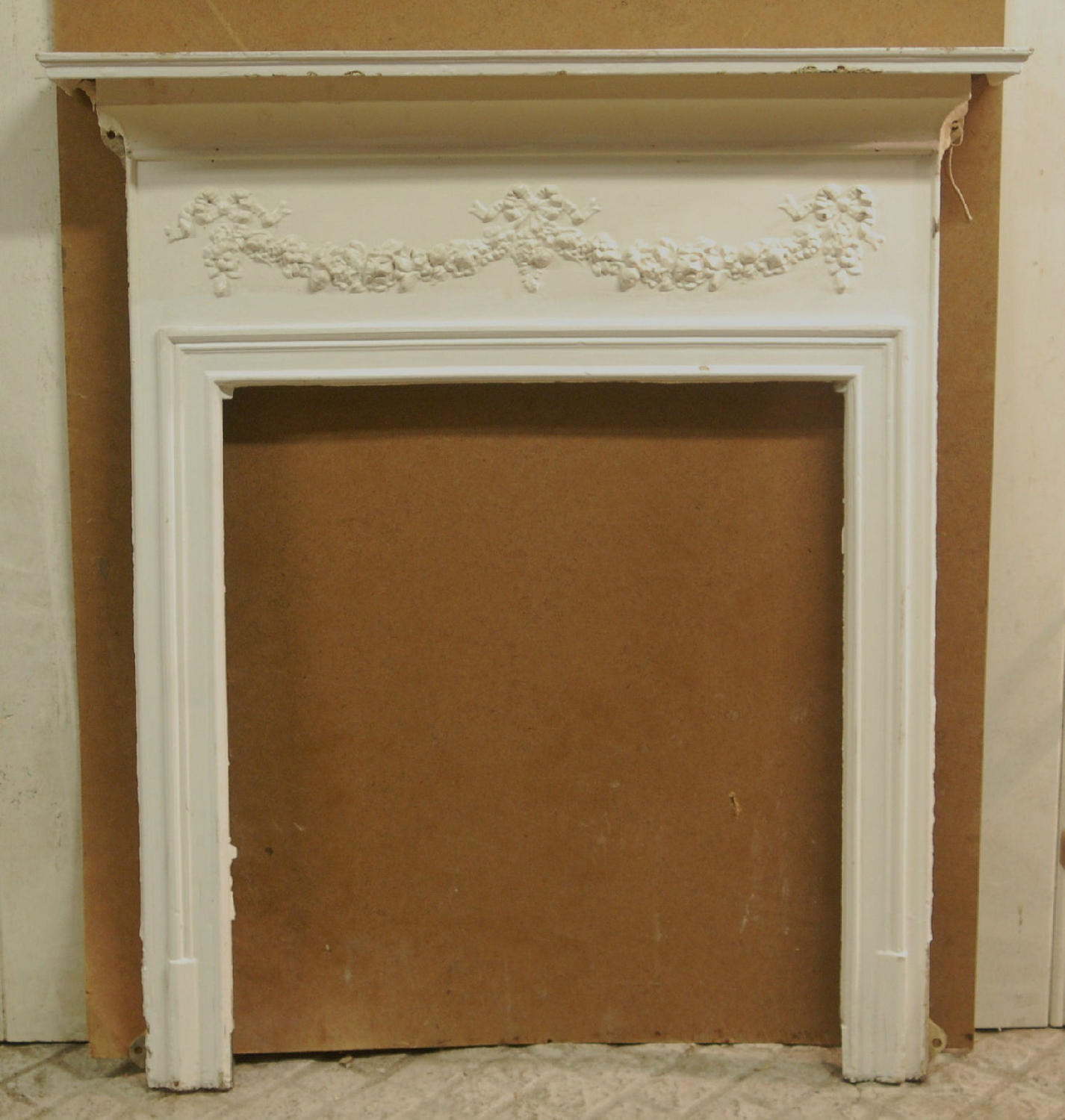 FS0018 A Pretty, Painted Victorian Cast Iron Fire Surround