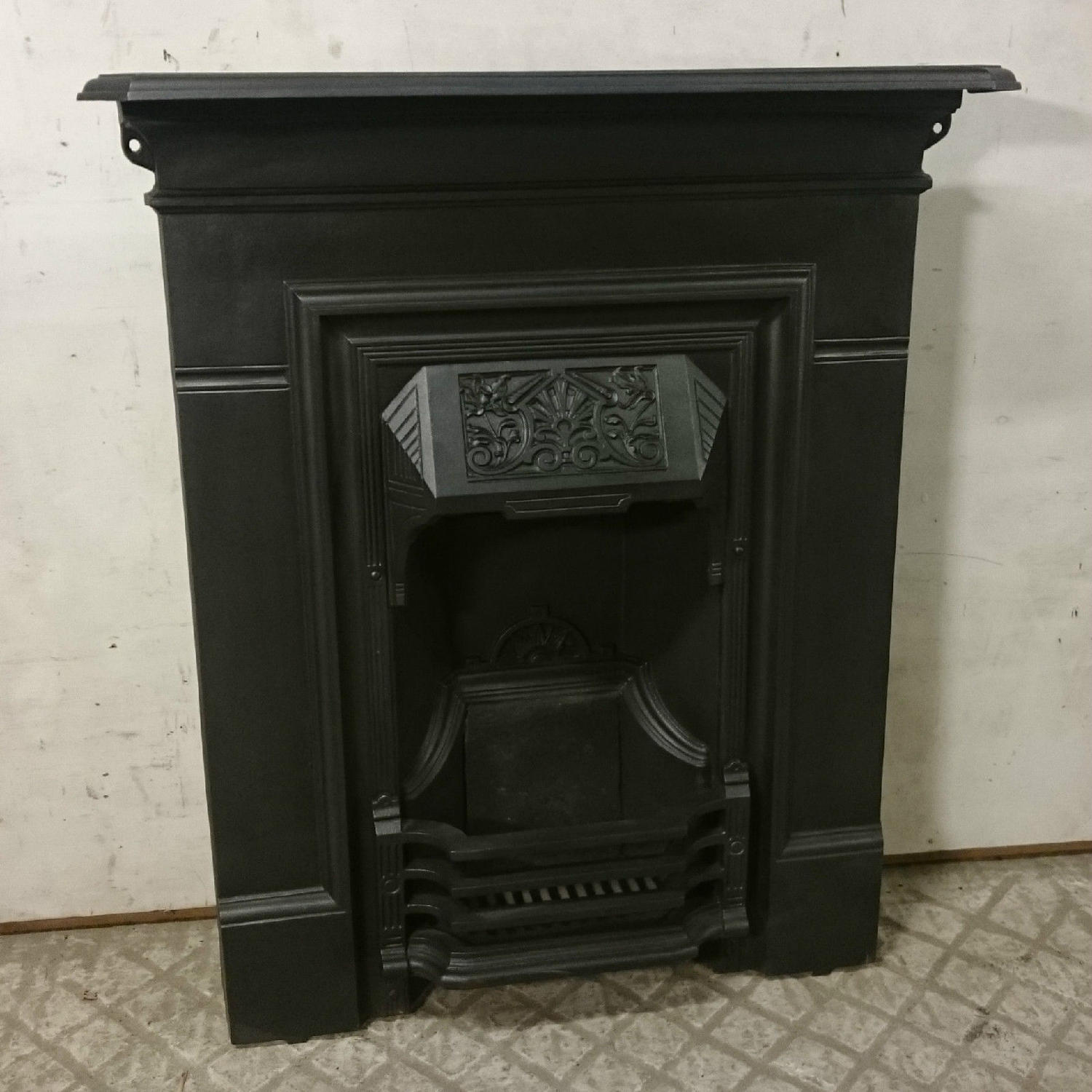 FC0021 An Ornate Antique Cast Iron Combination Fire