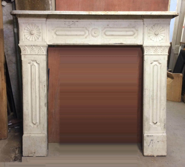 FS0024 A Large Decorative Victorian Cast Iron Fire Surround