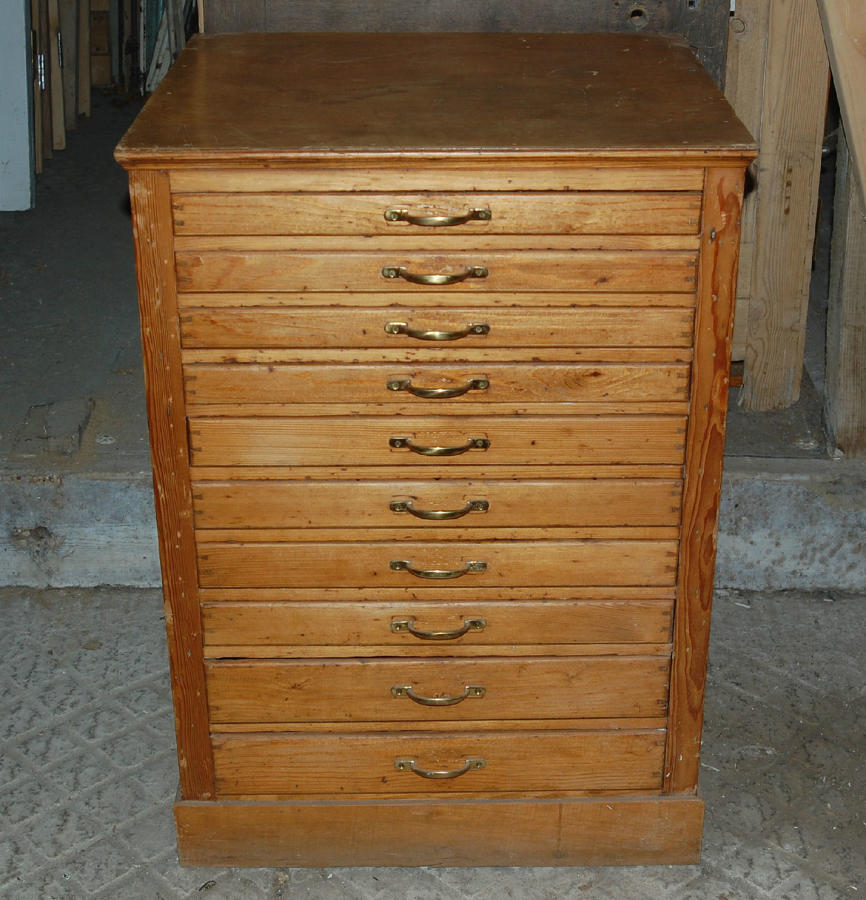 A Set of Antique Pine Collectors Drawers Apothecary Style ref 844