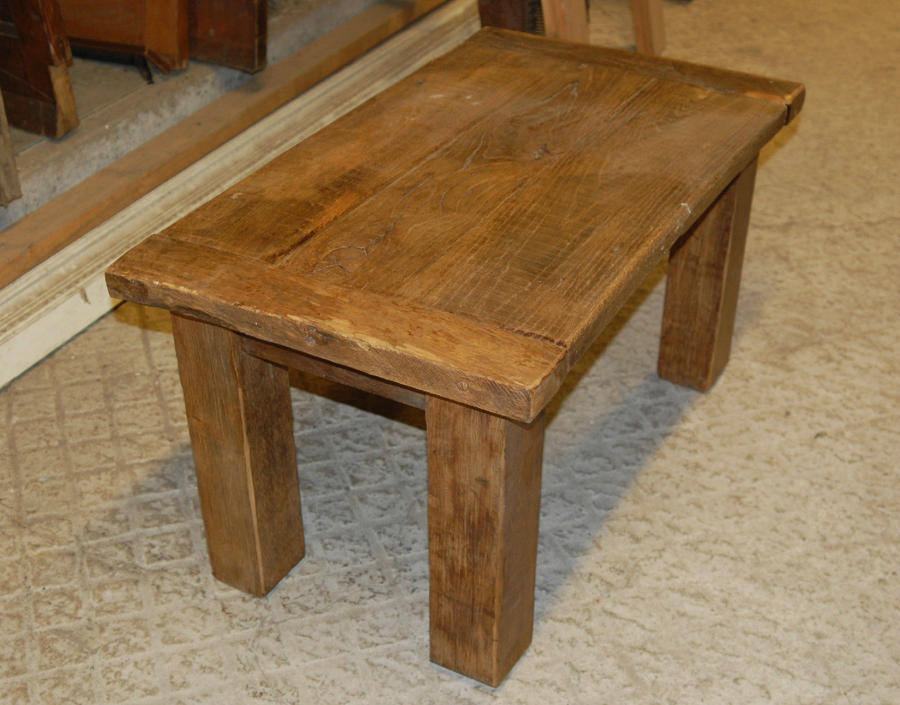 A Heavy Rustic Country Style Reclaimed Oak Coffee Table ref 881