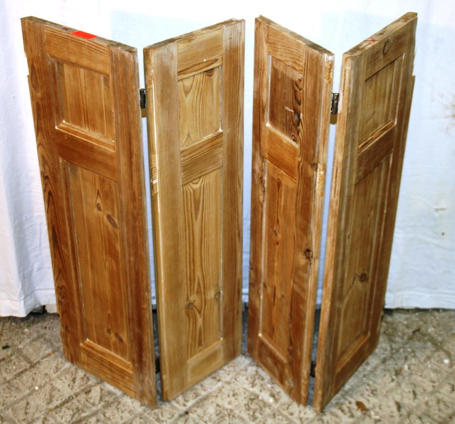 CS0007 A Pair of Georgian Stripped Pine Shutters w 4 Shutters