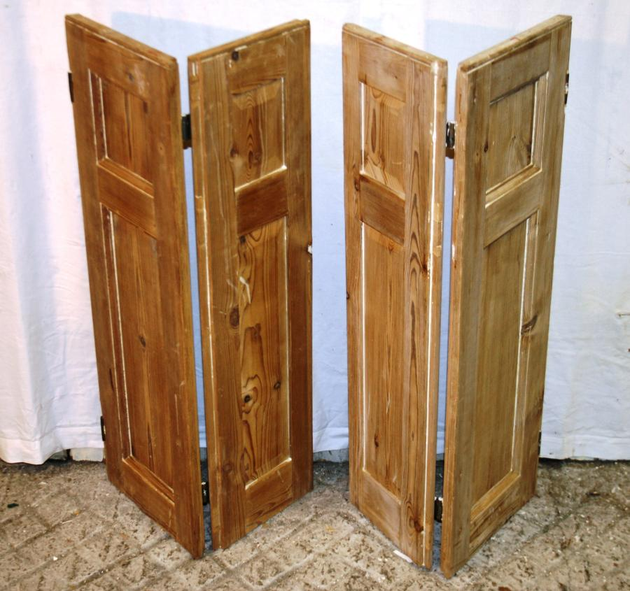 CS0008 A Pair of Georgian Stripped Pine Shutters w 4 Shutters