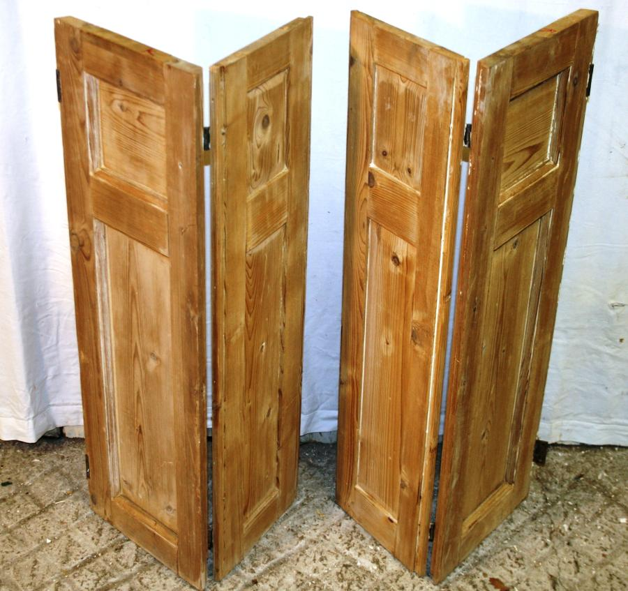 CS0009 A Pair of Georgian Stripped Pine Shutters w 4 Shutters