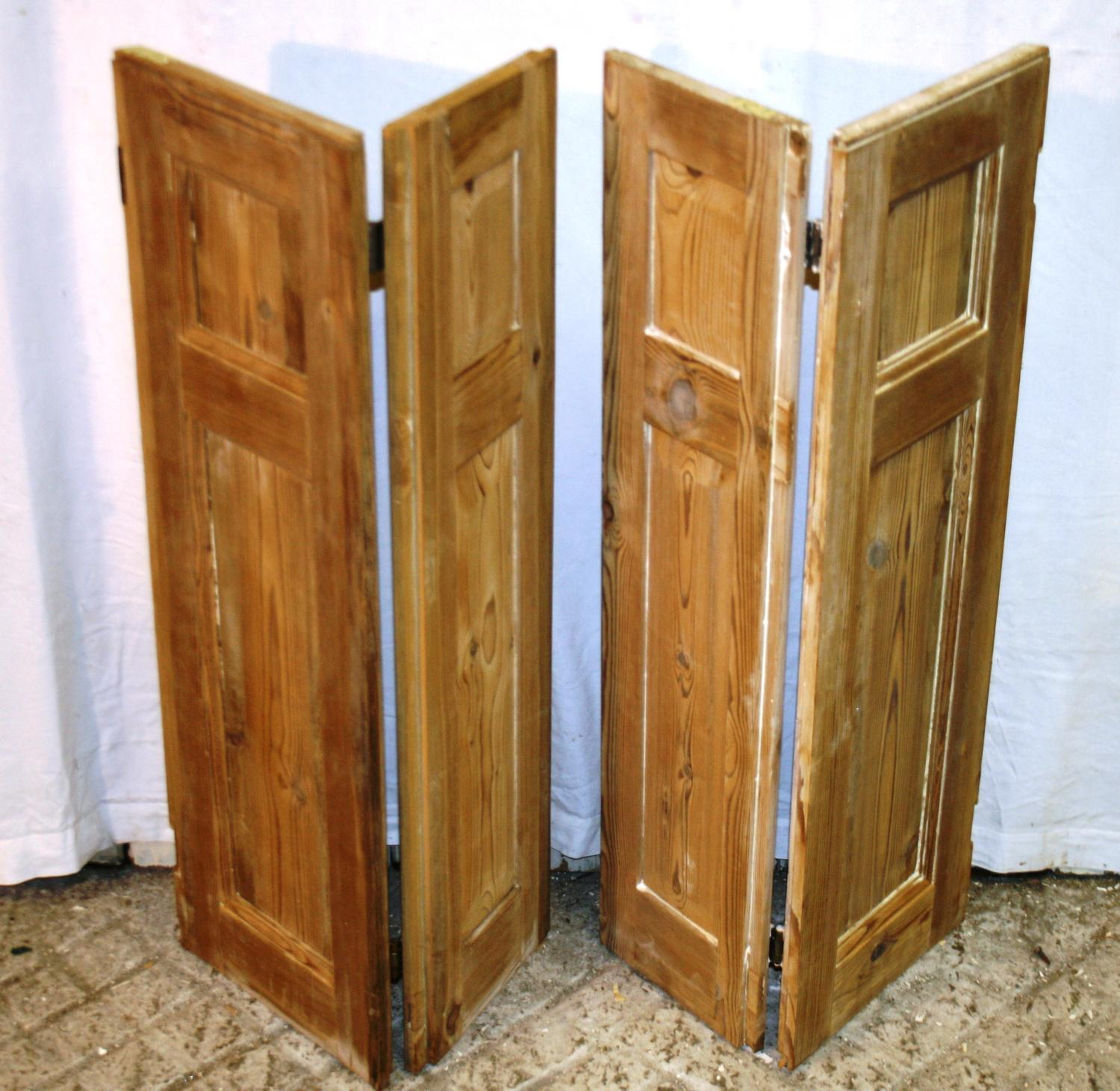 CS0013 A Pair of Georgian Stripped Pine Shutters w 4 Shutters