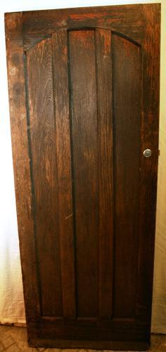 DE0730 A Stylish Gothic Oak Cottage Style Front Door