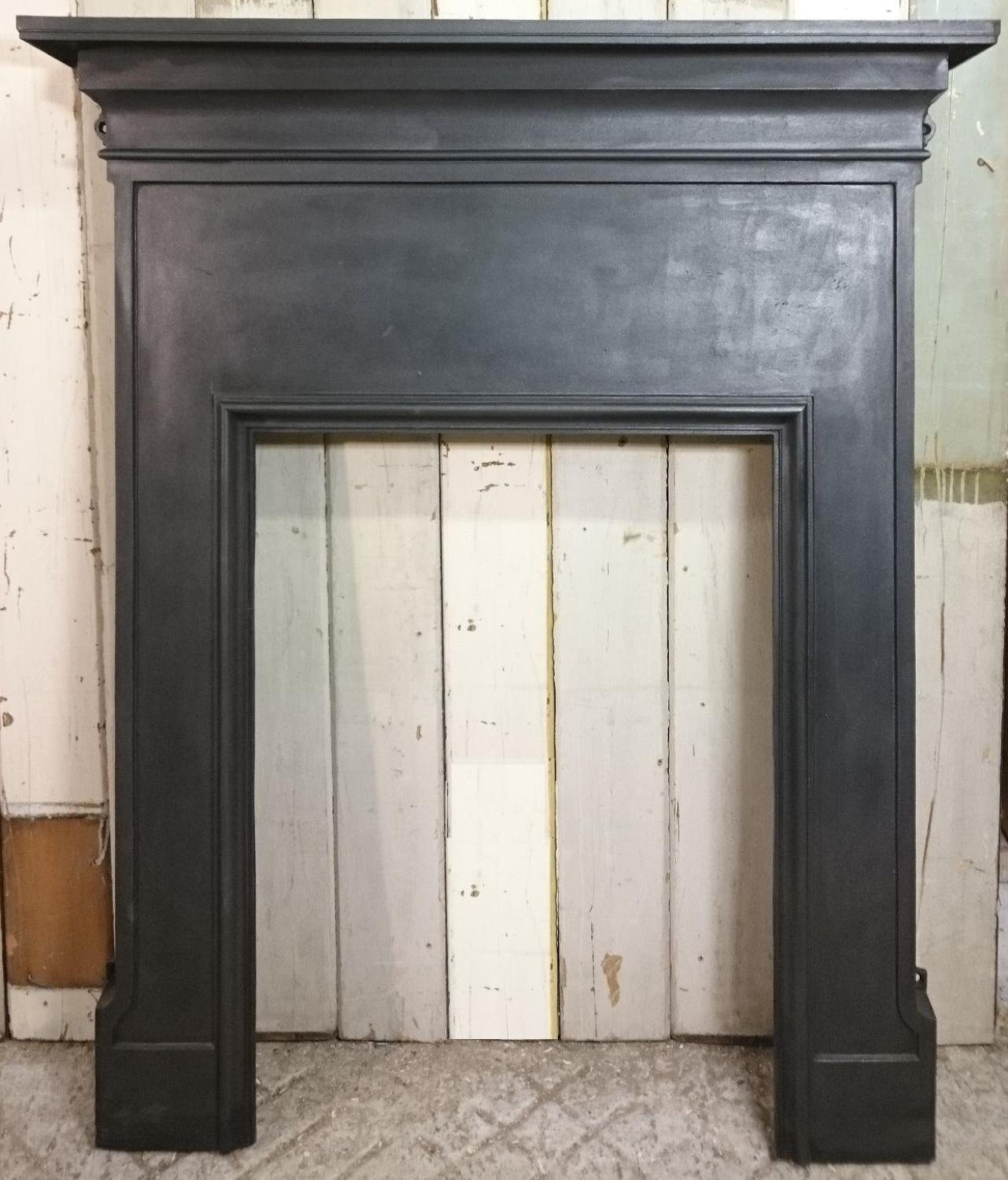 Fs0028 A Small Reclaimed Antique Cast Iron Fire Surround In