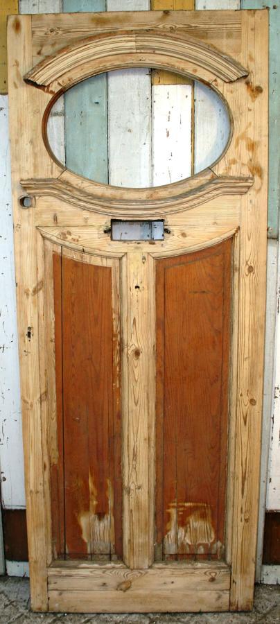 DE0371 An Elegant Edwardian Pine Front Door with Nice Details