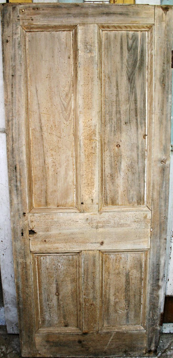 DB0276 A Victorian 4 Panelled Door with Decorative Mouldings