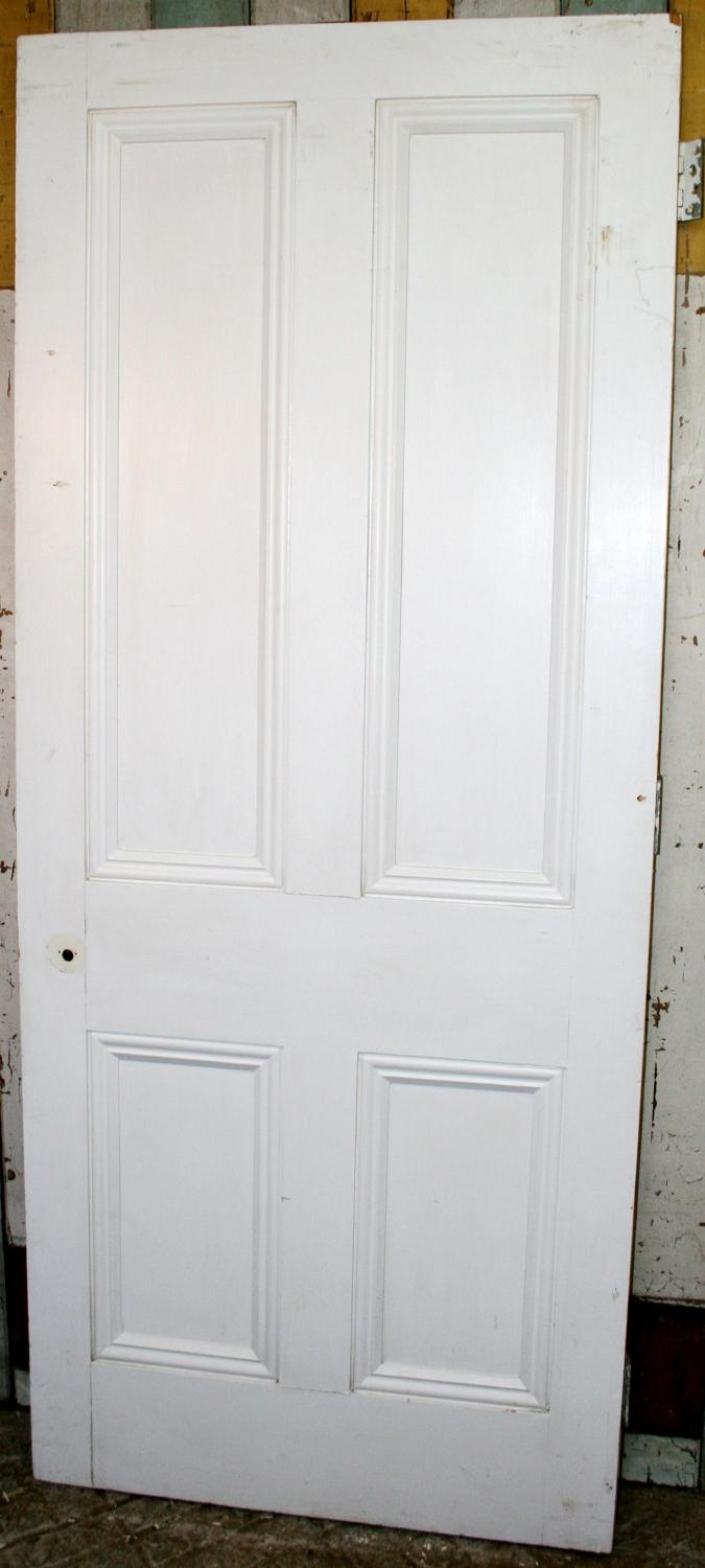 DI0739 A Victorian Style, Painted 4 Panel Door