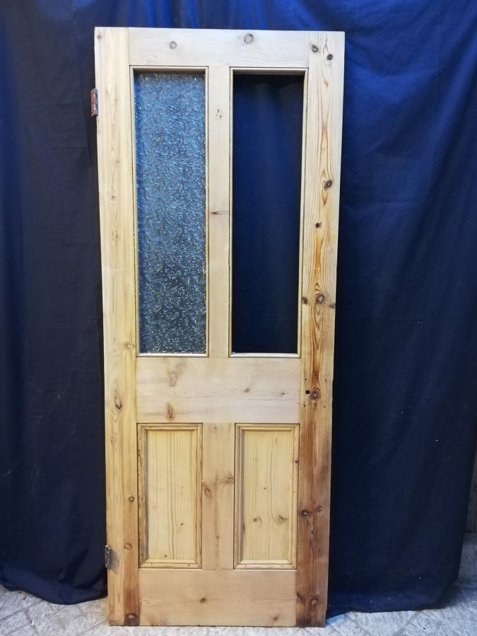 DI0616 A Victorian 4 Panel Pine Door for Internal Use