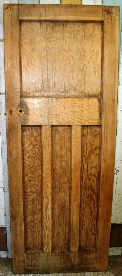 DI0663 An Edwardian Classic 1930's Art Deco Door in Pitch Pine