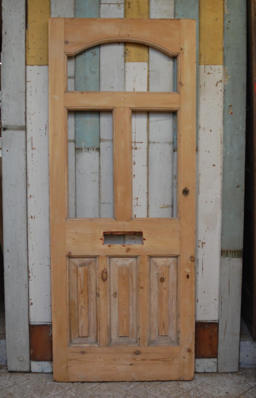 DE0784 AN ATTRACTIVE LATE VICTORIAN PINE FRONT DOOR
