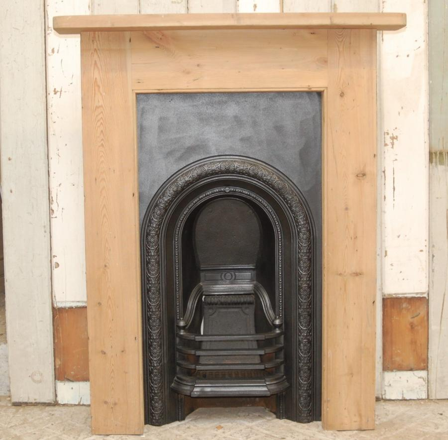 FC0038 VICTORIAN CAST IRON BEDROOM FIRE INSERT AND PINE SURROUND