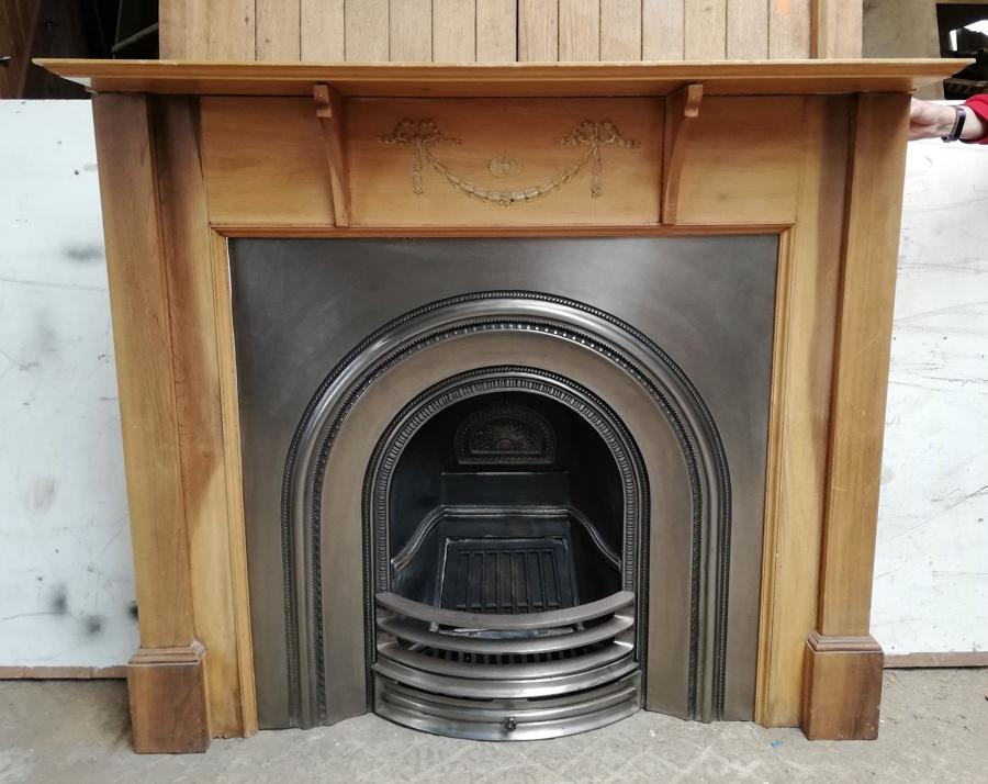 FC0037 A RECLAIMED CAST IRON STOVAX FIRE INSERT AND PINE FIRE SURROUND