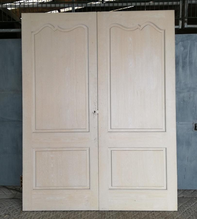 DP0246 A PAIR OF RECLAIMED FRENCH CHATEAU STYLE INTERNAL PINE DOORS